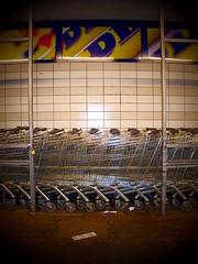 (h.d.lange) Tags: berlin schöneberg supermarkt einkaufswagen kette