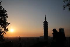 IMG_2225 (BrellLi) Tags: taiwan taipei taipei101 xiangshan 象山 六巨石 sunset 日落 canon6d sigma24105mmart silhouette