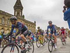IMG_9962 (nea-designs.com) Tags: cycling bike cyclerace letouryorkshire tourdeyorkshire saltaire victoriahall