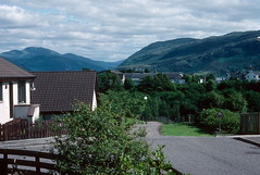 Modern housing, Ullapool (1996) (Duncan+Gladys) Tags: uk scotland ullapool rossandcromarty