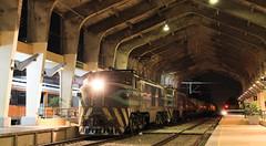 Las Reinas de la noche (Guillermo Andre) Tags: chile de trenes breda e32 fepasa electricas marelli cargueros locomoras
