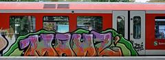 HH-Graffiti 1688 (cmdpirx) Tags: street urban color colour art public wall writing painting graffiti mural paint artist space raum wand character kunst strasse tag hamburg s can db spray crew hh writer hiphop hip hop piece aerosol bahn bombing legal wildstyle knstler fatcap ffentlicher