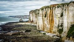 Le mur face à l'océan (YS-Photography) Tags: france etretat paysagesmarins 1localisation 1pays 2lieu 2paysages