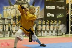 KATA CON ARMAS SHAOLIN_WARNER OPEN (-victorhugo-) Tags: madrid jump kick karate kimono salto trick combate shaolin kempo patada acrobacia artesmarciales kakutobugei parquewarnwr
