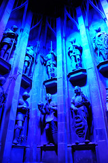 Harry Potter - Knights Statues Outside The Great Hall of Hogwarts (Steve Greaves) Tags: blue school fiction people 3 london castle film public stone set movie studio book model scenery tour symbol display wizard magic helmet harrypotter statues visit carving carve knights fantasy sword series shield hogwarts magical armour griffin prop symbolic warnerbros blockbuster fictional greathall jkrowling wizardry leavesden nikond300