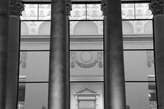 Opra.1 (Morgan Liza) Tags: white black france night blackwhite opera place opra nuit nantes noirblanc poselongue graslin