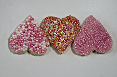 2017 Valentine's Day Fairy Bread (dominotic) Tags: 2017 valentinesday food love valentinesdayfairybread heart lolly sweets candy chocolate happyvalentinesday cachouballs ediblepearls 100s1000s fairybread