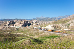 BNSF 5632 @ Cajon Pass, CA (Mathieu Tremblay) Tags: phelan california unitedstates cajonpass bnsf burlington northern santa fe railroad railway chemin fer train locomotive 5632 ge general electric c449w container sony a99 sal2470z