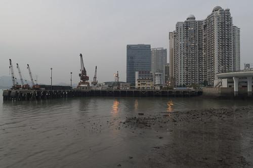 High-rises near Tongyi Wharf, 12.03.2017.
