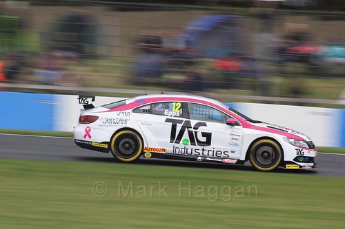 Mike Epps in race One at the British Touring Car Championship 2017 at Donington Park