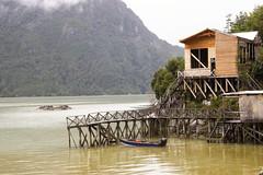 Caleta Tortel (Imthearsonist) Tags: caletatortel tortel regiondeaysen chile casas agua muelle bote surdechile patagonia