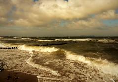 Ostsee (Wunderlich, Olga) Tags: ostsee rügen insel wellen wetter himmel wolken buhne sand strand steine natur naturaufnahme landschaft mecklenburgvorpommern deu