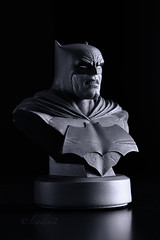 The Dark Knight Returns | Bust | DC Collectibles (leadin2) Tags: dc collectibles batman darkknight dark knight returns bust black white comics frank miller 2017 30th anniversary canon exclusive