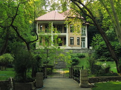 Small palace deep in the forest - Tehran, Iran (Germán Vogel) Tags: asia westasia middleeast iran islamicrepublic landmark travel traveldestinations traveltourism tourism touristattractions tehran capitalcity park saadabad palace forest green architecture spring