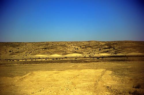 "Ägypten 1999 (784) Busfahrt Kairo-Hurghada: Ostwüste • <a style=""font-size:0.8em;"" href=""http://www.flickr.com/photos/69570948@N04/33472301426/"" target=""_blank"">View on Flickr</a>"
