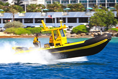 Sea Tow heading out of Port Everglades (taddzilla) Tags: seatow towboat boating boat chop wave outboard ttop ocean atlanticocean spray porteverglades florida 2017 allrightsreserved