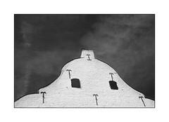 façade (Istvan Penzes) Tags: leicammonochromtyp246 penzes manualfocus rangefinder availablelight handheld bw black white summicron50mmv2 orangefilter dof thorn
