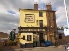 The Park Inn (doojohn701) Tags: pub tavern bar yellow vintage retro uk publichouse road eltham southeast london