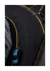 Untitled (hélène chantemerle) Tags: extérieur marseille photosderue soir urbain jaune bleu noir outside street evening city yellow blue black dark