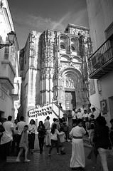 Peace -In the name of The Lord (Antonio Salceda De Alba) Tags: spain españa arcos cadiz andalucia andalusia semanasanta kirche iglesia building edificio people gente church bn bw