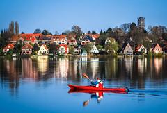 paddling home (claudia.kiel) Tags: plön deutschland germany de see lake lakeside seeufer haus house gebäude building kajak boat seascape spiegelung reflection