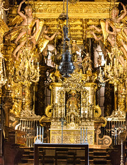 IMG_1966-1 (Andre56154) Tags: spanien spain espana galizien galicia santiagodecompostela stadt town gebäude building kirche church kathedrale cathedral architektur architecture altar engel angel