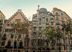 Batlló by Gaudí (Martha M G Raymundo) Tags: barcelona casabatlló gaudí traveller travel trip architecture tourist tourism espanha spain europa marthamgr marthamgraymundo canoneosdigitalrebelxs