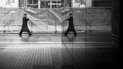 170401-0166-IMG_2686-Bearbeitet (ivan_sorokin) Tags: 2017 blau farbe japan menschen regenschirm spiegelung strase unterführung