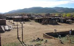 taos pueblo (DeadManTalking) Tags: newmexico cemetery taos taospueblo taoscounty deadmantalking