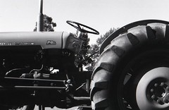 MF - Penrith, NSW. (frontdrive34) Tags: tractor 50mm iso100 pentax f14 penrith supertakumar masseyferguson pentaxspotmatic museumoffire luckyshd100 vintagetruckshow