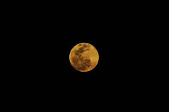 Super Moon over Borneo (Ringgo Gomez) Tags: 1001nights topseven anawesomeshot nikond90 flickraward malaysianphotographers concordians perfectphotographer sarawakborneo nikond90club niknod90 1001nightsmagiccity flickraward5 mygearandme flickrawardgallery