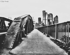 Smithfield Street Bridge - Pittsburgh, PA (JayCass84) Tags: pittsburgh pitt pennsylvania 412 steelcity pgh burgh street streetphotography streetview urban urbanphotography urbanstreetphotography city skyline buildings building architecture urbanarchitecture beautiful awesome instagram instagramapp camera flick flickr photo photography bw black blackandwhite blackwhite vsco vscocamapp vscocam