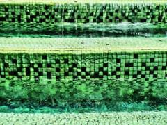 Checkered Layers (Mertonian) Tags: green fountain canon tile disney layers checkered purity g12 mertonian canong12 robertcowlishaw monkofthewestdesertcom