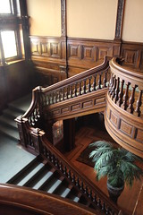 Main staircase - James P. Hill Mansion (viktrav) Tags: house minnesota stpaul stairway staircase mansion minnesotahistoricalsociety jamesphillmansion