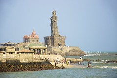 Vivekananda rock and Thiruvalluvar Statue, Kanyakumari, Tamil Nadu, India (Malc ) Tags: india tourism statue photo photos pilgrimage tamilnadu kanyakumari nagercoil thiruvalluvar capecomorin photosof vivekanandarock thiruvalluvarstatue malcc malcolmchapman malcolmpchapman tamilakam