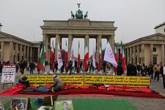 Protest gegen das islamische Regime im Iran - Berlin Brandenburger Tor  img_0558_result (Thomas Rossi Rassloff) Tags: berlin germany deutschland fotograf rossi