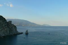 Вид на море с смотровой площадки на полпути до Ласточкиного гнезда