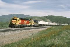 rr6201 (George Hamlin) Tags: california bealville santa fe atsf 199 spsf paint scheme railroad intermodal freight train piggyback photo decor mountains tehachapi emd diesel locomtive sd452