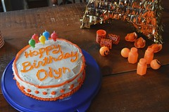 Odyns Party (itchinstitchin) Tags: birthday party orange cake balloons star 5 favors