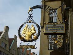 Stuhlmacher am Prinzipalmarkt in Münster (Süßwassermatrose) Tags: germany deutschland union münster insegna westfalen 2014 prinzipalmarkt enseignes stuhlmacher