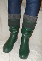 GrnH306 (Lisban2009) Tags: green socks soft with hunter wellies rubberboots gummistiefel creased tourer turneddownwellies foldedwellies