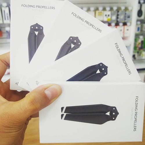 Hélices para DJI Mavic Pro, totalmente originales y garantizadas. Visita nuestra tienda o llámanos Bogotá: (1) 381 9922 - Medellín: (4) 204 0707 - Cali (2) 891 2999 - Barranquilla: (5) 316 1300 - Pereira: (6) 335 9494 - Celular/WhatsApp: (316) 425 4777 #l