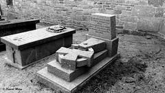 Vandalism !!! Poet Paotr Tréouré grave broken - Plouguin (patrick_milan) Tags: wreck destroyed broken abandon oublié forgotten ruin ruine decay old house castel chateau vieux grave