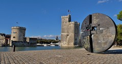 La Rochelle, vieux port (thierry llansades) Tags: madame ile perigny vieux port charente charentemaritime charentes 17 aunis saintonge iles rochefort oleron ré ilemadame carelets carelet pecherie pecheries peche poitou poitoucharentes fort boyard militaire militaria militara