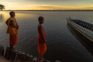 Young monks at the West Baray lake