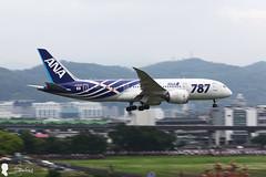 2017-04-20 ANA Boeing-787 JA802A (Steven Weng) Tags: rcss tsa 松山機場 台灣 台北 taiwan taipei canon ana 787 boeing787 all nippon airways boeing 787881 ja802a aviation aircraft 民航機 eos5d2 ef135l 135mm