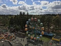 Ferris wheel @ Julianatoren, view from the tower (Wiljo van Essen) Tags: julianatoren hdr apeldoorn uitkijktoren veluwe ferriswheel clouds wolken reuzenrad attractiepark themepark