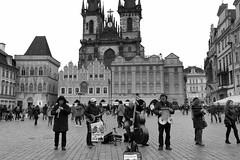 Charles Bridge Band playing in the Old Town Square (Hythe Eye) Tags: czechrepublic prague churchofourladybeforetýn charlesbridgeband day1 praha