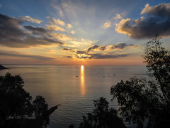 El despertar / The awakening (josemanuelvaquera) Tags: amaneceres mar nubes cielos ceuta sunrises clouds sea