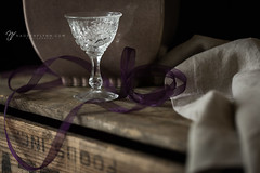 099/365 (shoot-it-now-Nadeen) Tags: nadeenflynnphotography linen stilllife woodenbox